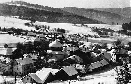 Ústřední poloha železnorudského kostela na Seidelově pohlednici