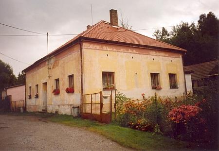 Budova školy v Jaroměři, do které chodíval k panu učiteli Morawetzovi