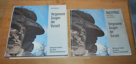 """Už roku 1988 vydal vlastním nákladem knihu Vergessene Zeugen der Vorzeit o """"obzvláštních kamenných útvarech Dolního Mühlviertelu"""""""