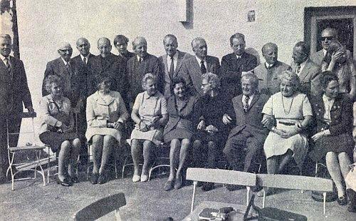 """Na setkání budějovického spolku """"Turnverein 1862"""" v Mnichově 1973 stojí pátý zprava"""