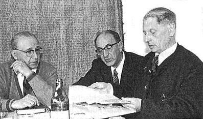 S Karlem Adalbertem Sedlmeyerem a Josefem Dichtlem v roce 1975 nad připravovanou knihou Budweis : Budweiser und Stritschitzer Sprachinsel