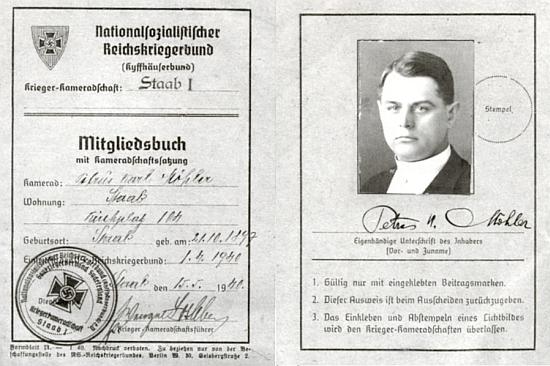 Jeho členská legitimace říšského sdružení válečných veteránů s podobenkou z roku 1940, kdy byl kaplanem ve Stodu