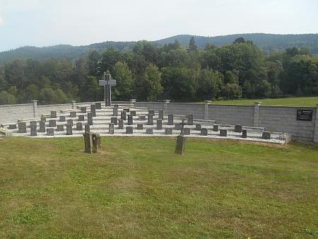 Hřbitov v Záblatí, kde je na neznámém místě pohřbena...