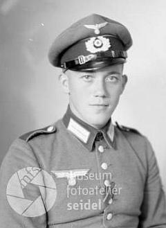 """Na Seidelově snímku, datovaném 13. září roku 1943 na jméno a adresu """"Müller Rudolf, Sonnberg"""""""