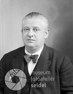 """Seidelův snímek, pořízený 5. ledna 1939 na jméno a dresu """"Karl Müller, Wettern"""""""