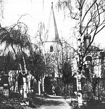 """Takto vyhlížel """"nový hřbitov"""" v Horním Nýrsku za kostelem sv. Tomáše, dnes zplanýrovaný"""