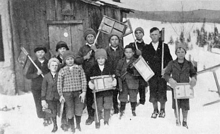 O Velikonocích v Dolních Světlých Horách na sněhu s kluky a řehtačkami