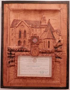 Potvrzení pravosti jeho relikvie, umístěné v kapli v rodném domě
