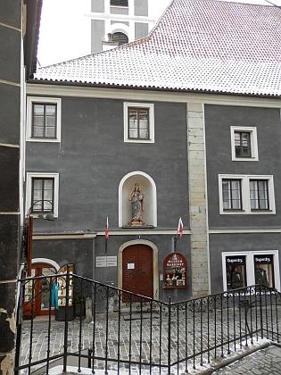 Dům čp. 6 na českokrumlovském Latráně na snímku z roku 2018