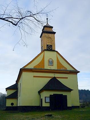 Kostel Jména Ježíš a někdejší křišťanovská fara dnes (2012)