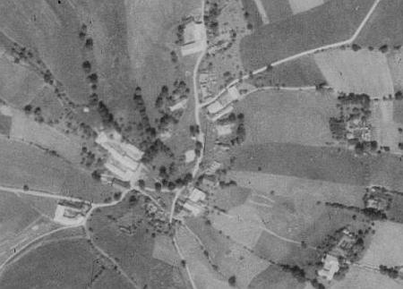 Hlásná Lhota na leteckých snímcích z let 1952 a 2008