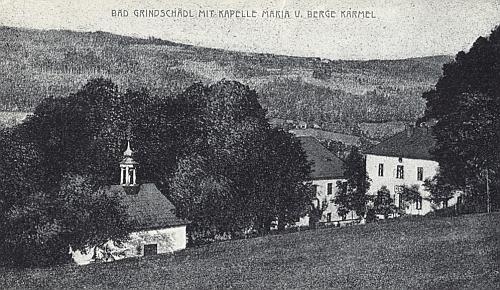 """""""Malá kaple na okraji lesa"""" v Dobré Vodě u Záblatí, zasvěcená Panně Marii na Karmelu, jak ji zachytila stará pohlednice..."""