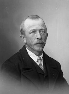 Dědeček Franz Nodes na snímku ze Seidelova fotoateliéru z roku 1919