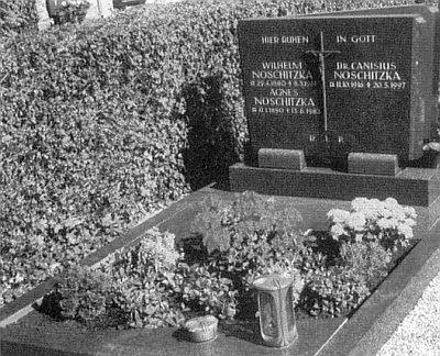 Jeho hrob po boku rodičů v Kleinostheimu