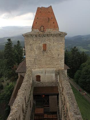 Hrad Kašperk na snímcích z roku 2014