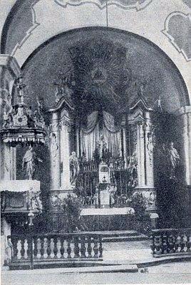 ... a jeho oltář...