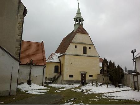 Dva kostely dávají Kaplici jméno - sv. Petra a Pavla (ten větší) a sv. Floriána