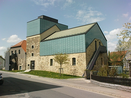 Centrum Bavaria Bohemia v Schönsee, kde byla v roce 2009 v rámci kulturního setkání     bbkult.net prezentována i elektronická kniha Kohoutí kříž