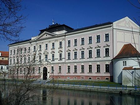 Budova budějovického německého gymnázia v  České ulici (viz i Placidus Hammer, Matthias Koch a Jakob Stabernak)