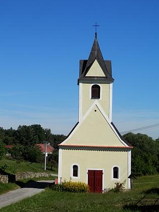 Návesní kaple v Mezilesí