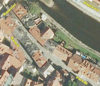 Dům čp. 133 na leteckých snímcích z let 1949 a 2011
