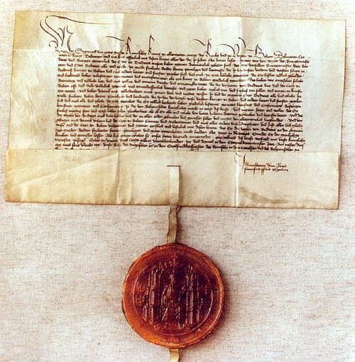 Podle této zástavní listiny patřily Budějovice jednomu z Habsburků už v roce 1421 (měšťané mu přísahali až vroce následujícím), kdy se rakouský vévoda Albrecht (1397-1439) zasnoubil s dcerou Zikmunda Lucemburského Alžbětou (1409-1442) - nového zástavního pána zastupoval ve městě vojenský hejtman Lipold Krajíř z Krajku