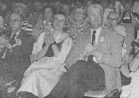 S dcerou Walburgou hraběnkou Douglasovou a zetěm hrabětem Douglasem na Sudetoněmeckém sněmu v roce 1993 v Norimberku