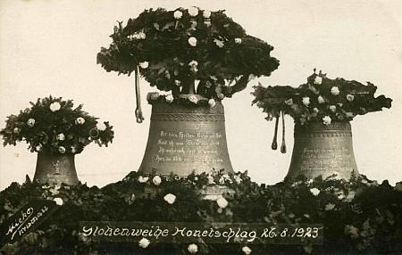 Svěcení zvonů  v Hodňově 26. srpna 1923