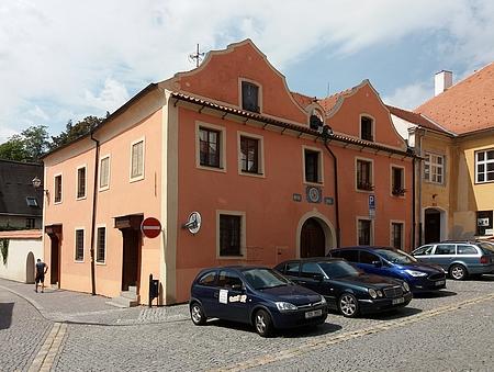 Dům čp. 130 v Neumannově ulici na fotografii z roku 2018