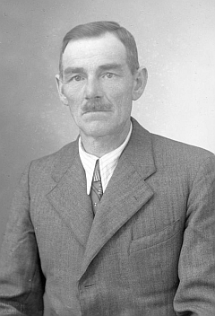 Tatínek Mathias na snímku z roku 1942