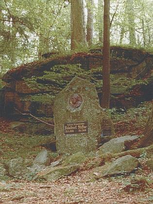 Stifterův památník u Benešova nad Černou na snímku z roku 2007