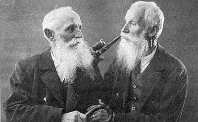 Praděd Raimundův Karl Paleczek mladší (1859-1937) se svým bratrem Johannem (1855-1950), oba veschwarzenberských službách