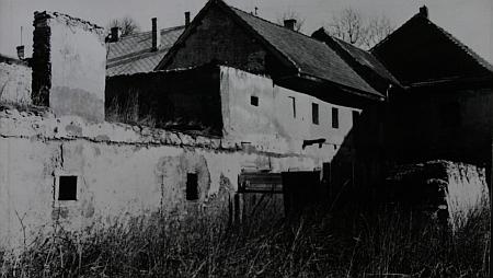 Stav zadní části domu kolem roku 1963