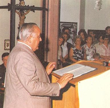 Při čtení svého projevu k výročí 200 let budějovické diecéze v Pasově roku 1985
