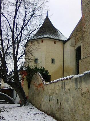 Polygonální bašta u klášterního kostela Obětování Panny Marie v Českých Budějovicích