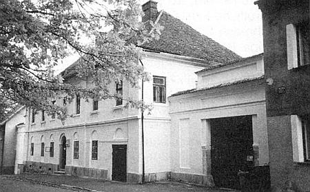 Fara v Horní Stropnici, kde také působil jako mladý kaplan