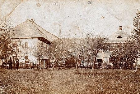 Stavení v Černíkově na starých fotografiích