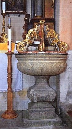 Křtitelnice památného kostela sv. Jakuba v jeho rodné Želnavě