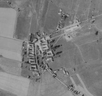 Pěkná na leteckých snímcích z let 1952 a 2008