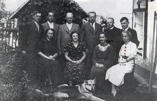 Učitelský sbor glöckelberské školy (viz i Franz Petschl)