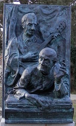 "Památník autorům ""Tiché noci"" Franzi Xaveru Gruberovi a Josefu Mohrovi v  Oberndorfu u Salcburku"