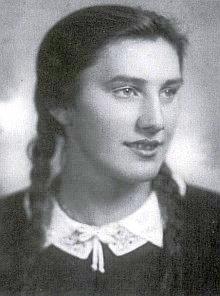"Paní Anna Pastaová, roz. Gayerová, dědička statku ""Gregadamer-Hof"", matka autorova"