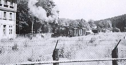 Česká část nádraží v Železné Rudě r. 1954 za železnou oponou, jen s manipulačním vlakem místní pily