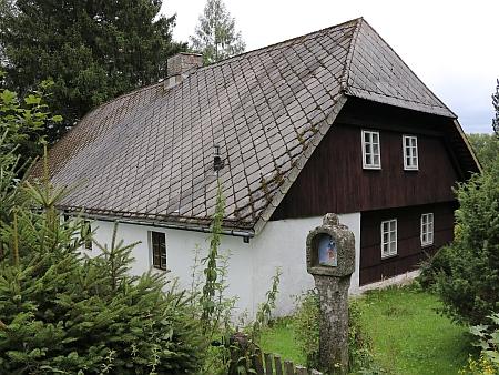Původní stavení ve Vlčích Jamách