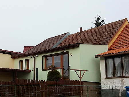 Rodný dům čp. 13 ve Starých Hodějovicích na snímku z roku 2021 - podle srovnání leteckých snímků z let 1952 a 2017 k zásadní přestavbě nedošlo