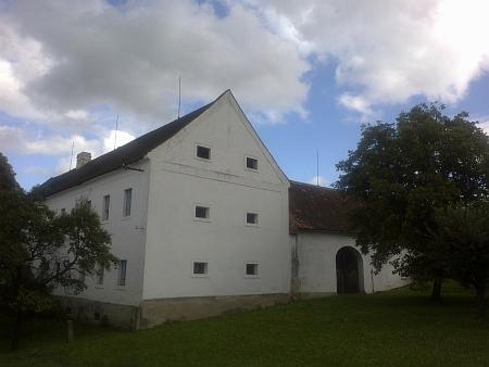 Statek čp. 6 v Čakovci, odkud pocházela jeho matka
