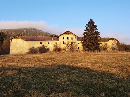Hospodářský objekt Kraví Dvůr patřil vyšebrodskému klášteru