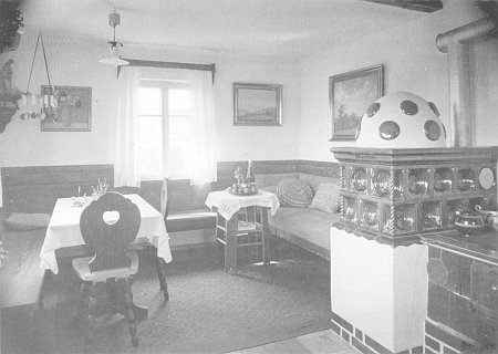 Interiér jeho domu ve Zwieselu na snímku z roku 1939