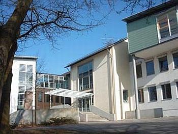 Gymnázium ve městě Schrobenhausen, na němž působil