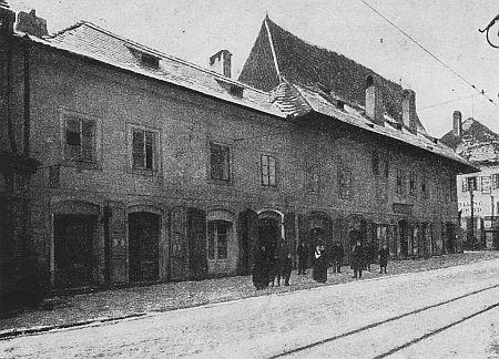 Původní podoba domu z druhé strany